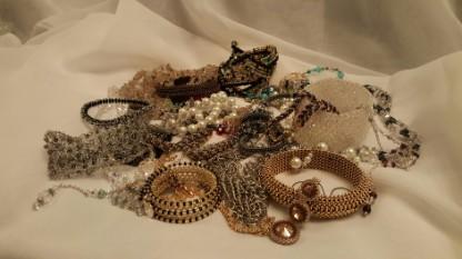 MadeByMiqui Jewelry