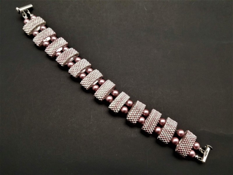Rose and Sterling Silver Carrier Bead Bracelet